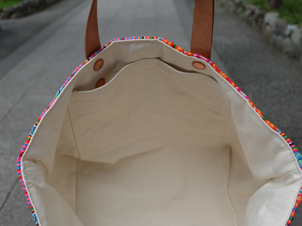 花モン族の古布をつかったトートバッグ